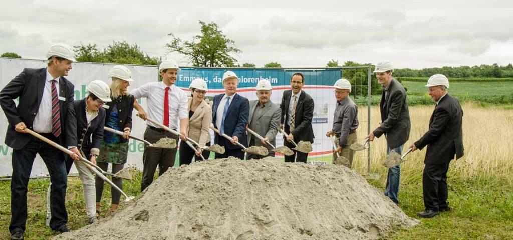 Am 27. Juli 2017 feierte das Emmaus in Friesenheim-Oberweier den Spatenstich des neuen Seniorenzentrums. Nachdem im Frühling die Zustimmung des Ortschaftsrats und die Finanzierungszusage der Bank eingetroffen waren, war der Weg frei für den Neubau. Der Bau beginnt im kommenden September und die Fertigstellung ist für Ende 2018 anvisiert.