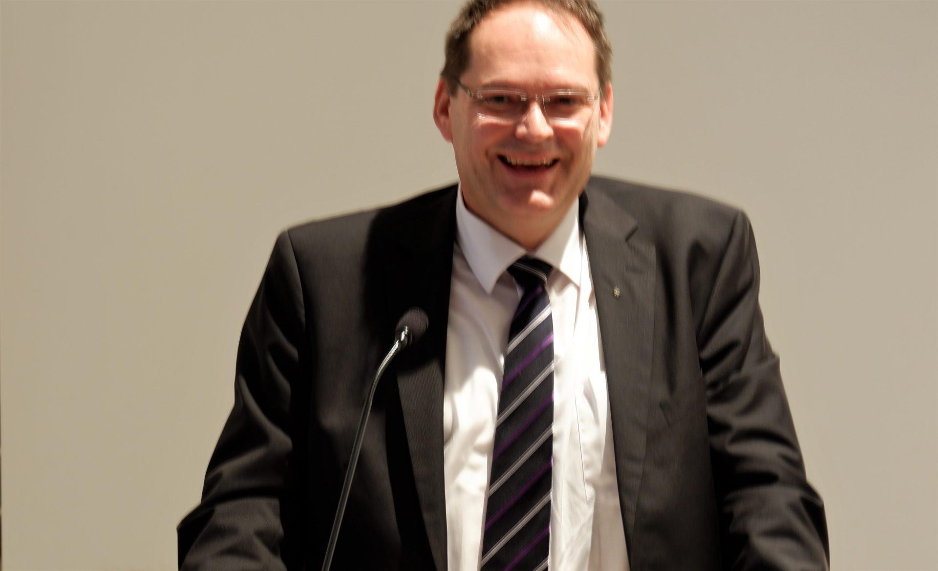 Vorstand Hartmut von Schöning erklärte die Schritte zu der Sanierung der Kapelle
