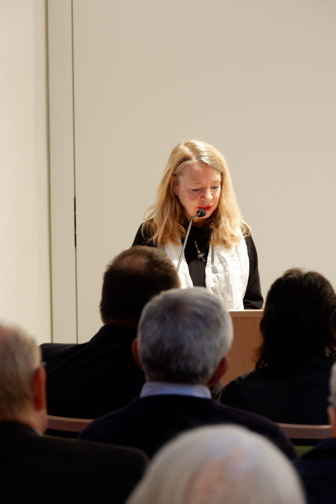 Frau Dr. Urte Bejick vom Evangelischen Oberkirchenrat in Karlsruhe