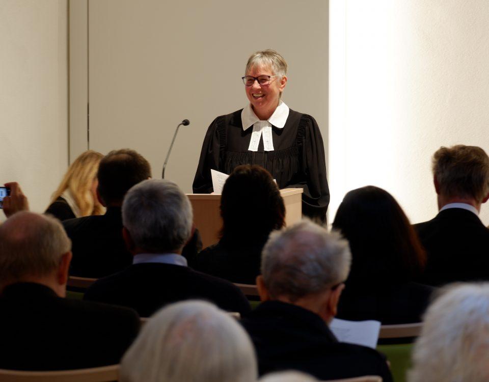Stiftspfarrerin Ulrike Oehler freute sich über die vielen Besucher bei der Einweihung