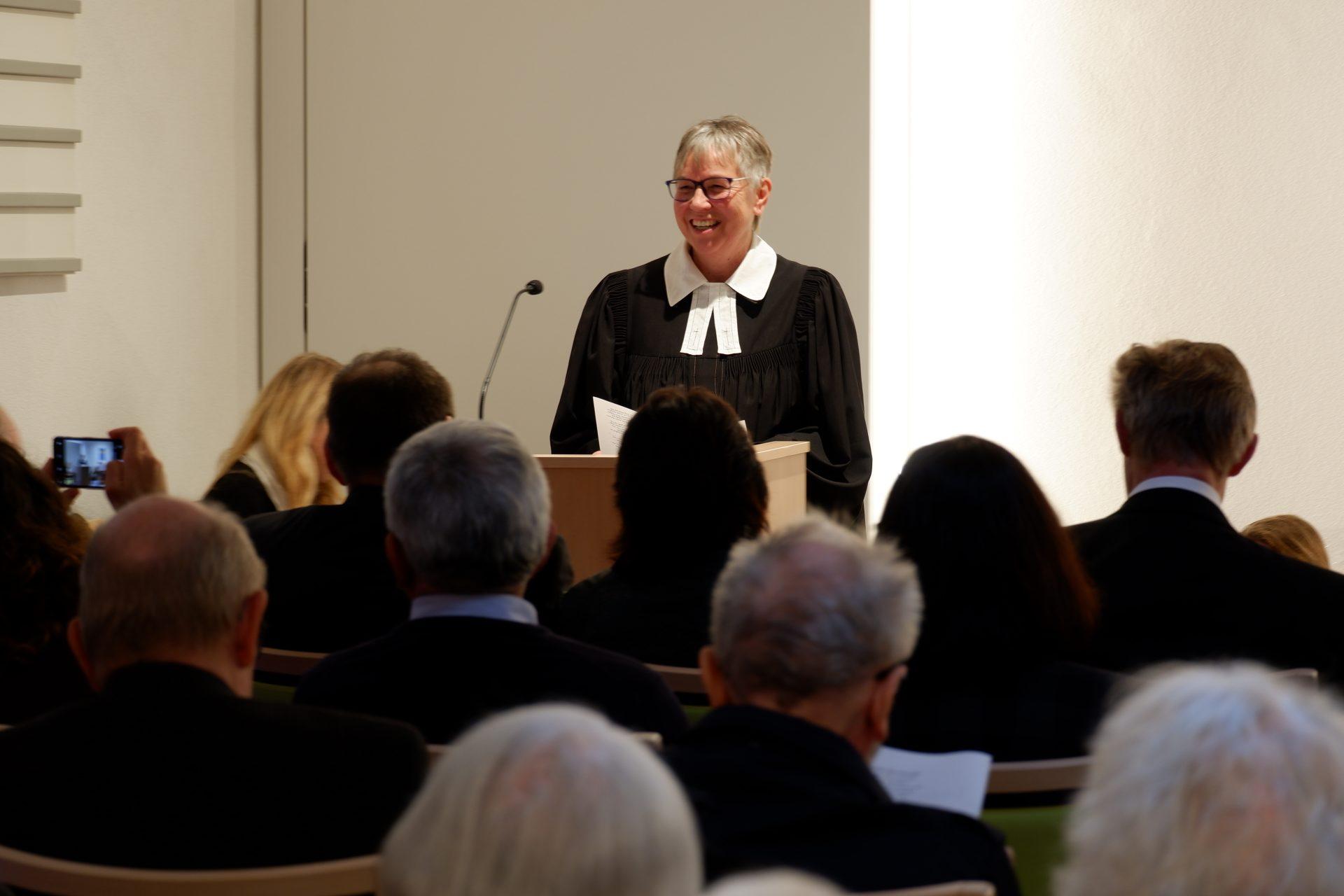 Stiftspfarrerin Ulrike Oehler freute sich über die vielen Besucher
