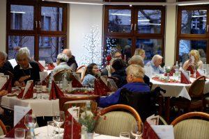 Die Bewohnerinnen und Bewohner im Carl-Mez-Haus freuten sich auf die Weihnachtsfeier