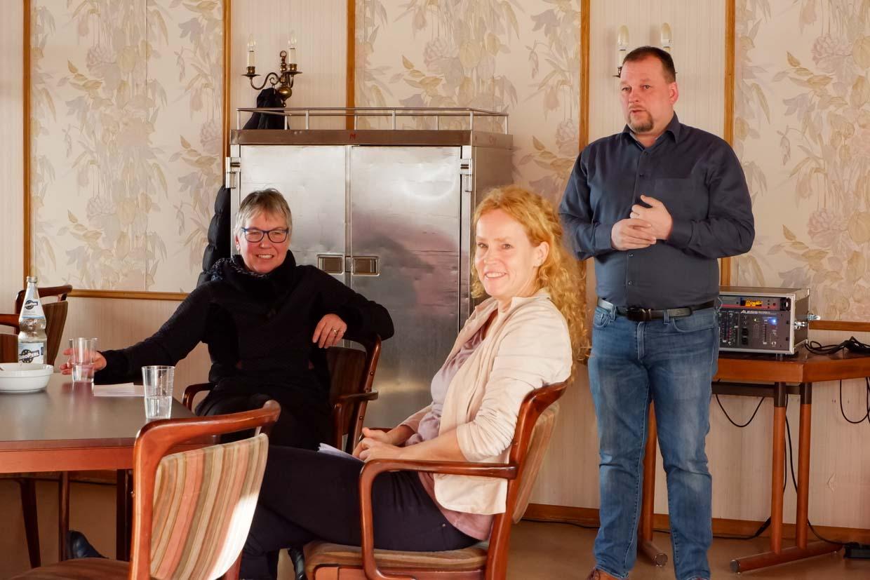 Pfarrerin Ulrike Oehler, Heimleiterin Isabel Schweier und Einrichtungsleiter Alexander Weißer (v.l.n.r.)