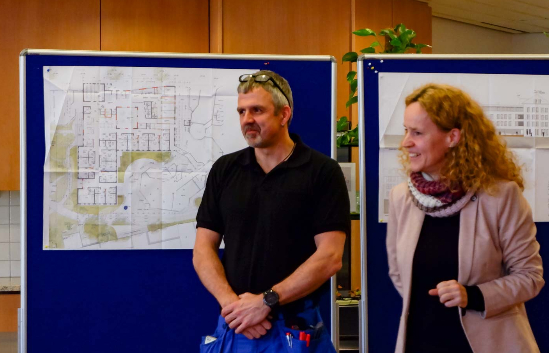 Heimleiterin Isabel Schweier und der Leiter Facility Management, Alexander Stöhr, beantworteten alle Fragen der Interessierten.