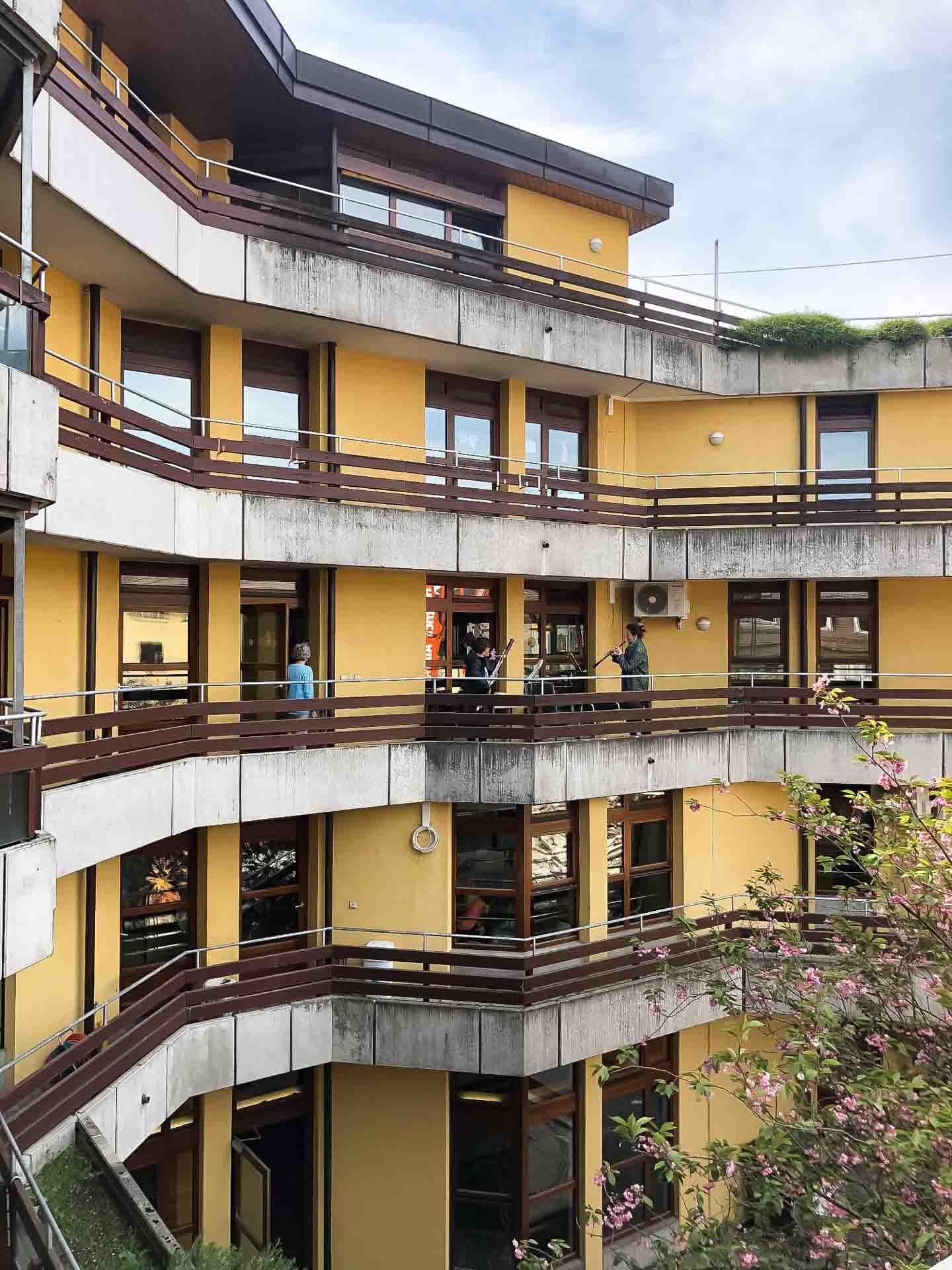 2020-04-16-Balkon-Konzert-SWR-1920px-6599