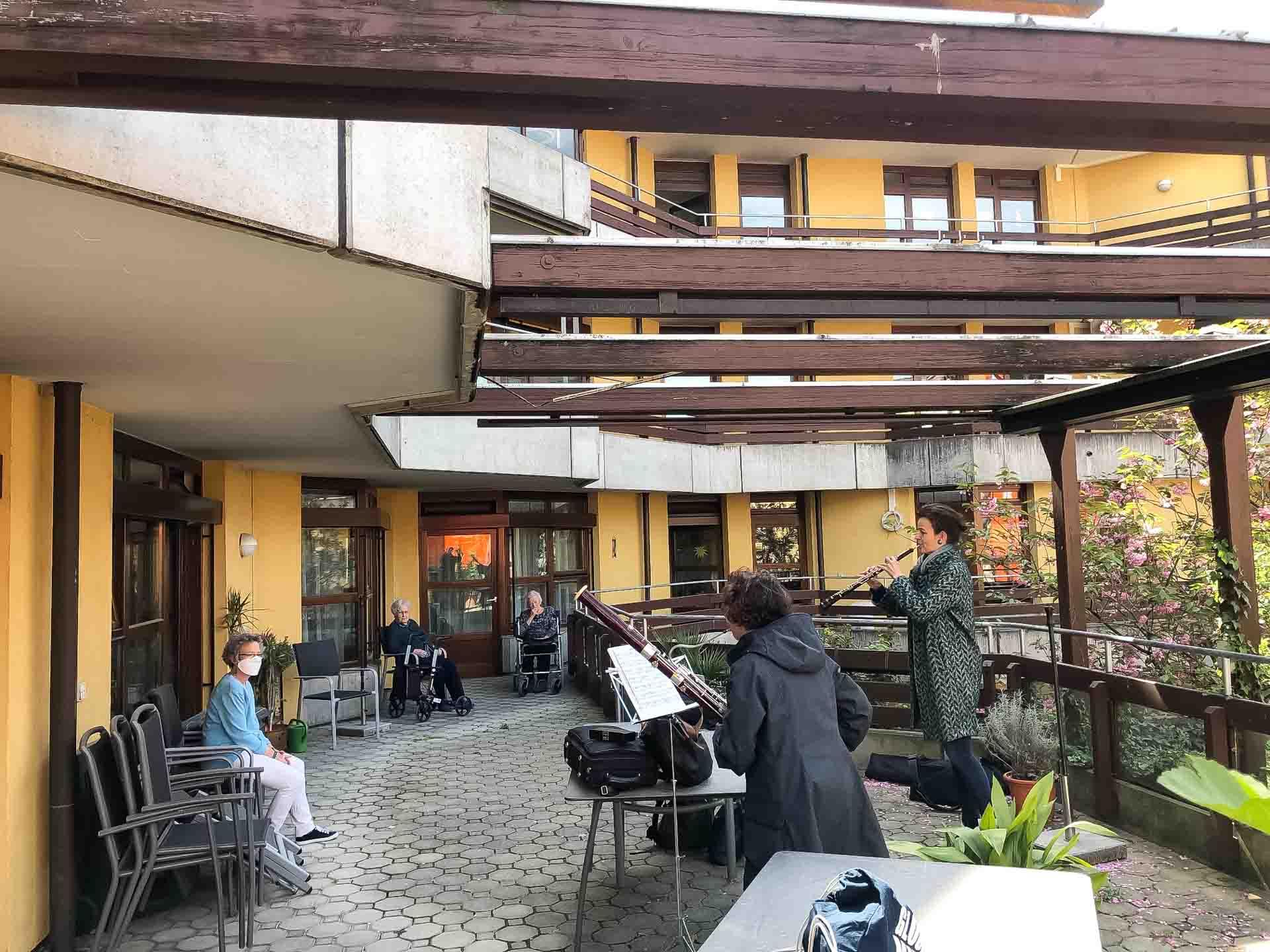 2020-04-16-Balkon-Konzert-SWR-1920px-6605