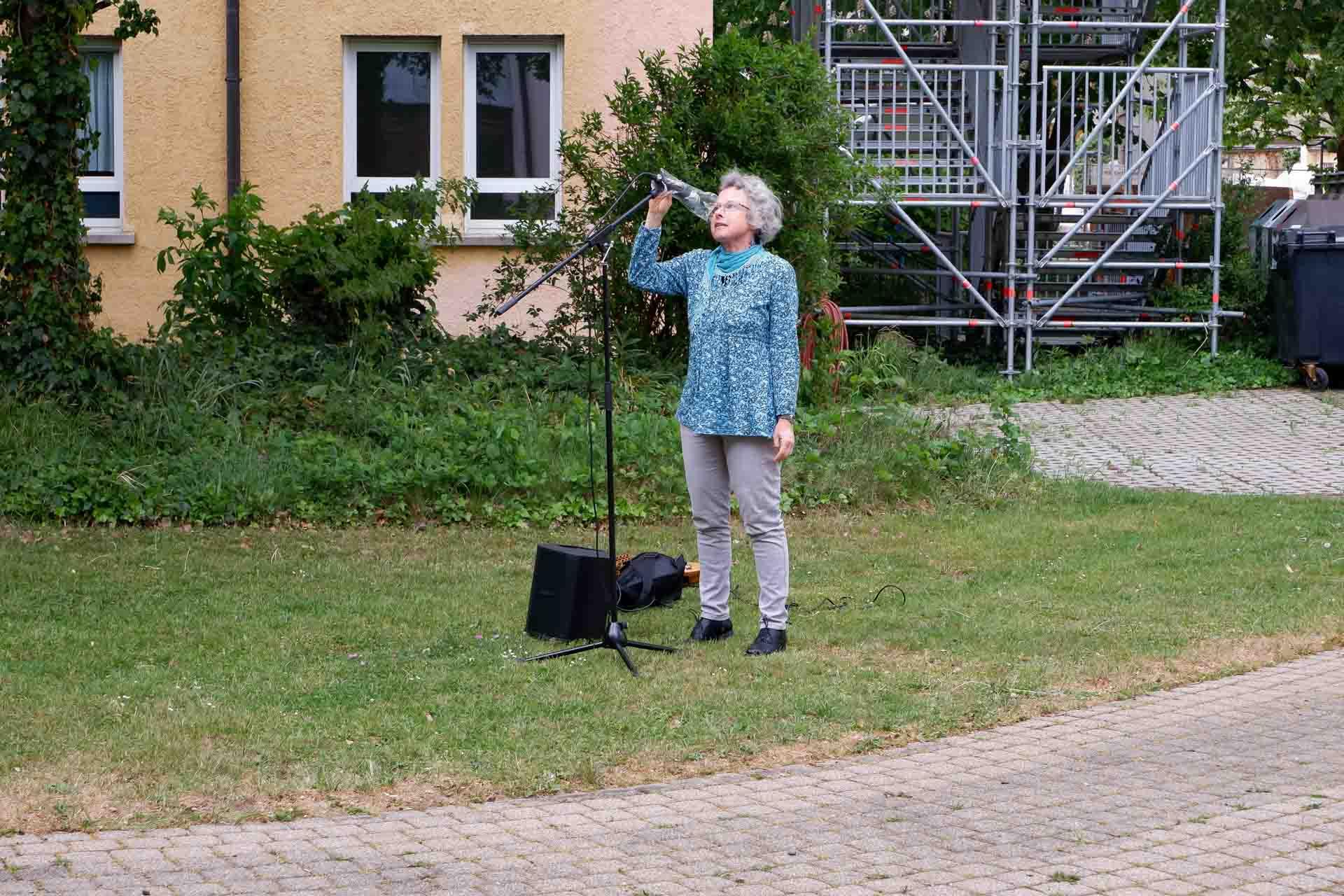 Christiane Mihm von der Begegnungsstätte begrüßte alle Zuhörerinnen und Zuhörer