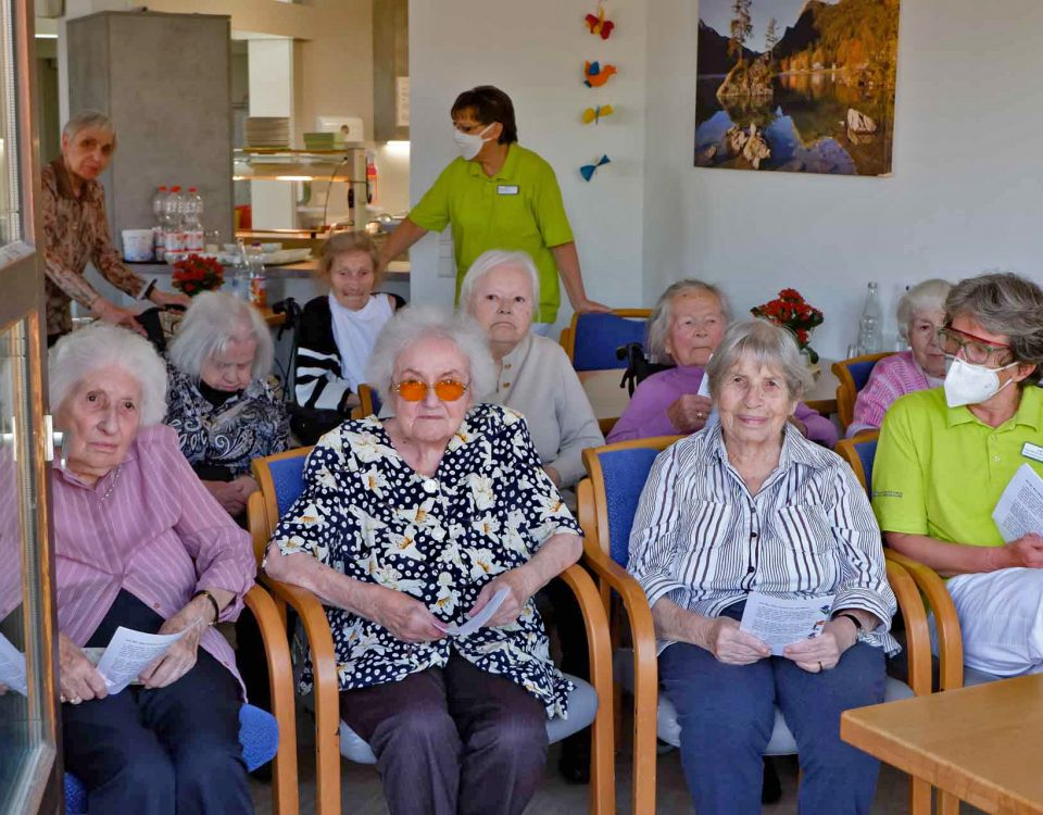 HSCHL 2020 05 10 Muttertag Gottesdienst Haus Schlossberg 1920px 0003a