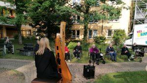 Harfenkonzert der Musikerin Samira Nowarra, gsponsort von Live Music Now Freiburg e.V.