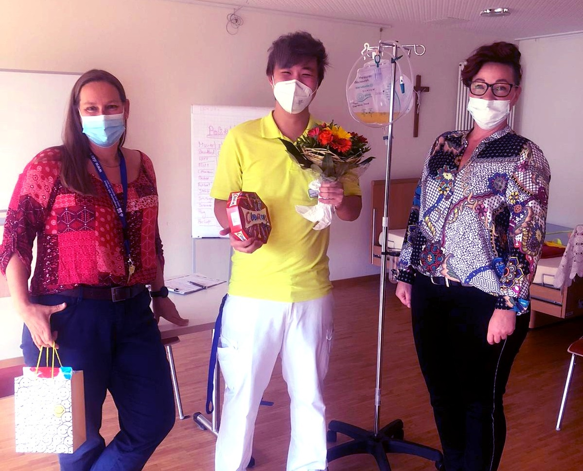 Ilona Vincenz (zentrales Pflege- und Qualitätsmanagement), Liu David (neue Fachkraft  im Stephanus-Haus ) und Jacqueline Gießmann (Teamleitung Pflege)