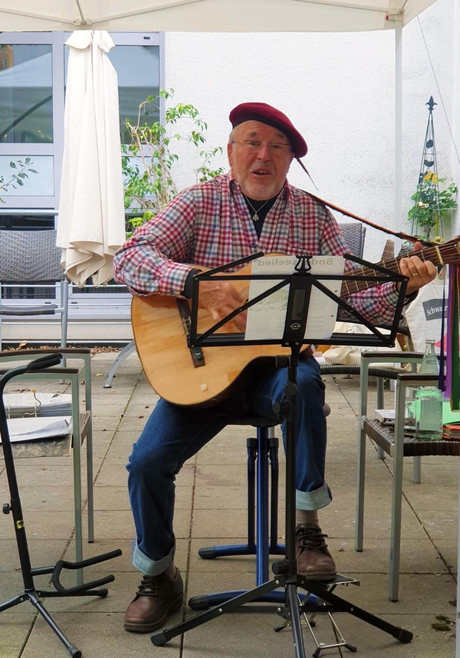 Terassen Konzert mit Klaus Flach