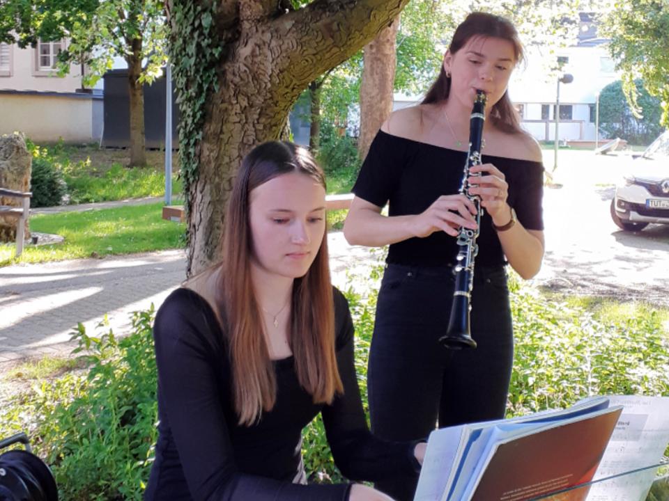 Klarinettistin Inga Meyer und der Pianistin Julie Sophie Kraeutle 1