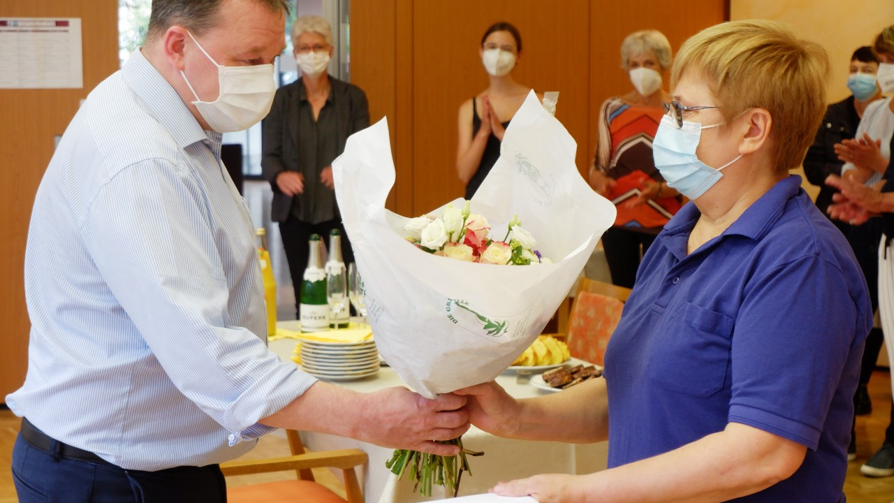 Gratulation von Einrichtungsleitung Alexander Weisser