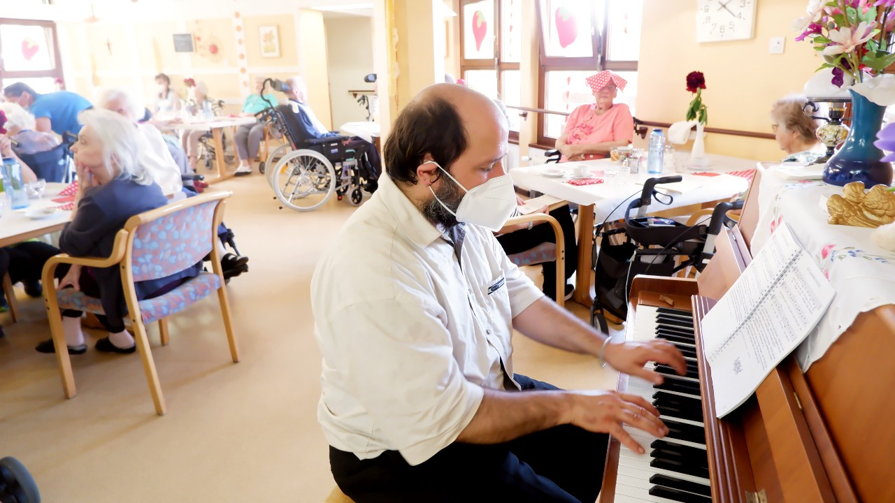 Pianist im Haus Schlossberg